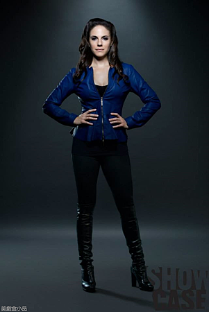LOST GIRL S04Cast  (2).png
