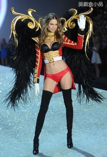 The Victoria's Secret Fashion Show (22).png