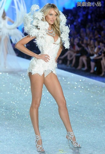 The Victoria's Secret Fashion Show (30).png