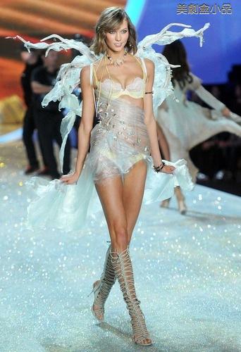 The Victoria's Secret Fashion Show (33).png