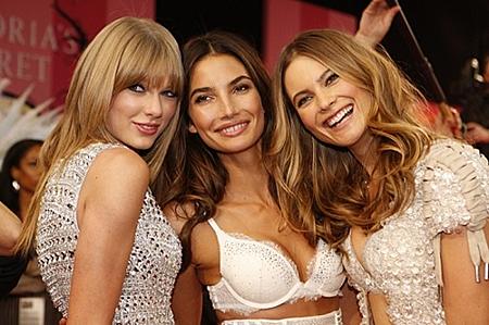 The Victoria's Secret Fashion Show (45).png