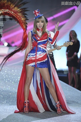 The Victoria's Secret Fashion Show (49).png