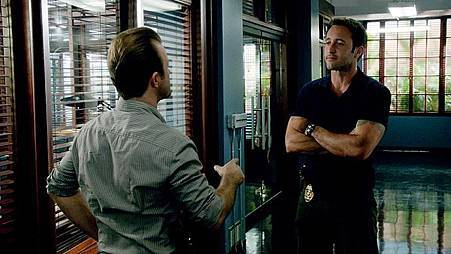 Hawaii Five-04x20 (2).jpg