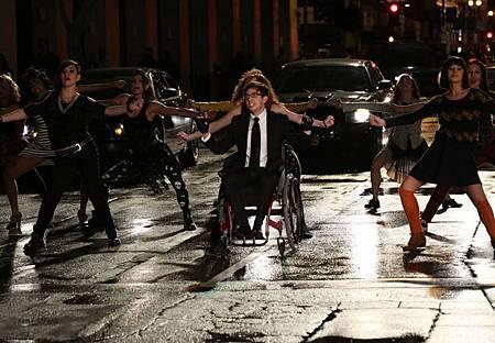 Glee5x16 (3).jpg