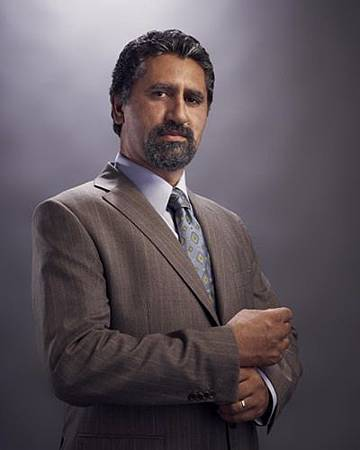 Gang Related cast s01 (2)Cliff Curtis.jpg
