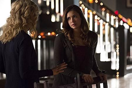 The Vampire Diaries6x8 (2).jpg