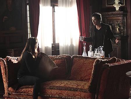 The Vampire Diaries6x9 (1).jpg