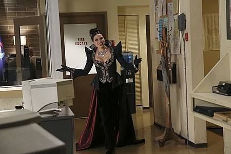 Once Upon A Time4x11 (1).jpg