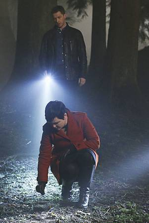 Once Upon a Time4x18 (1).jpg
