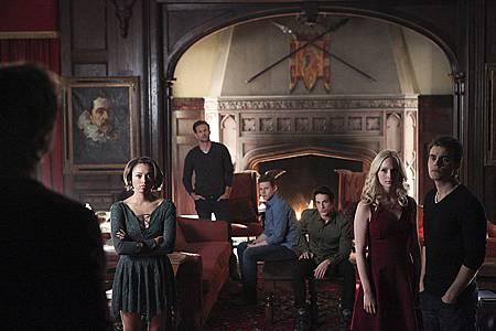 The Vampire Diaries 6x22 (1).jpg