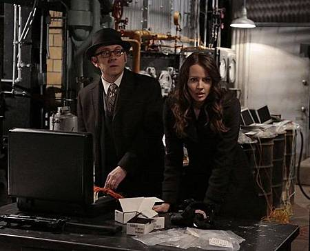 PERSON OF INTEREST 4x22 (11).jpg