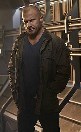DC's Legends of Tomorrow  S01 CAST (5)Heat WaveMick Rory(Dominic Purcell).jpg