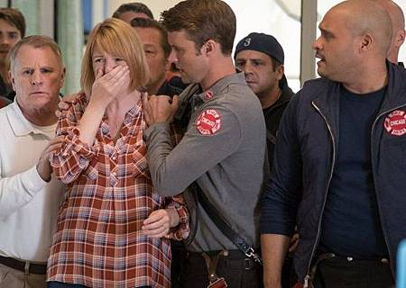 CHICAGO FIRE 4x10 (2).jpg