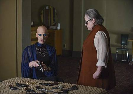 American Horror Story Hotel5x11 (1).jpg