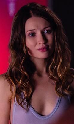 Laura Moon(Emily Browning).jpg