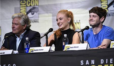 2016 Game Of Thrones Comic Con  (1).jpg