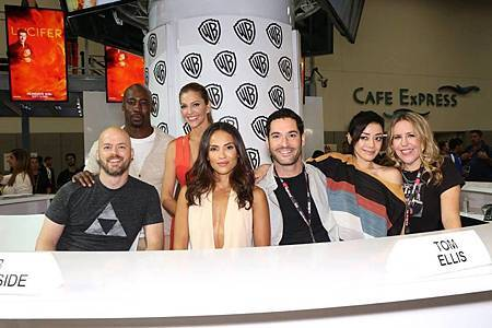 2016 Lucifer Comic Con (8).jpg