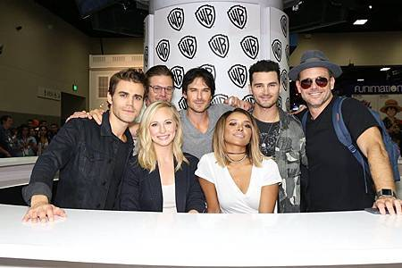 2016 The Vampire Diaries Comic Con(24).jpg