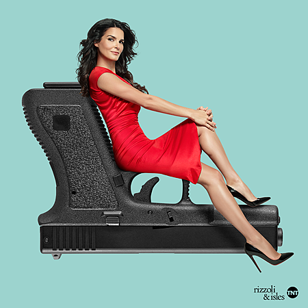 Rizzoli and Isles 7x13 (1).png