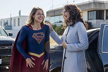 Supergirl 2x3 (1).jpg
