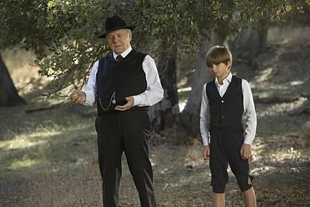 Westworld S01E06-01.jpg