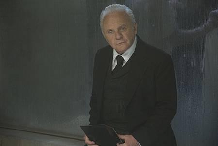 Westworld S01E09-01.jpg