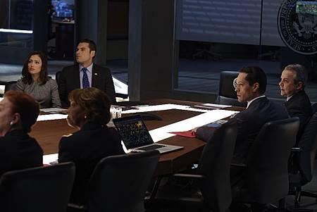 Designated Survivor 1x8 (1).jpg