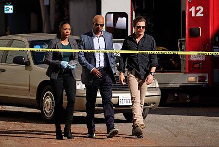 Lethal Weapon1×10(1).jpg