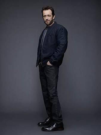 Fred Andrews(Luke Perry).jpg