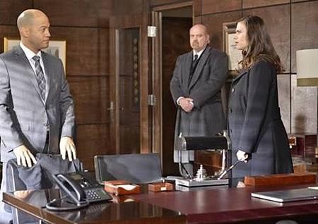 Conviction 1x12 (9).jpg