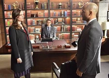 Conviction 1x12 (10).jpg