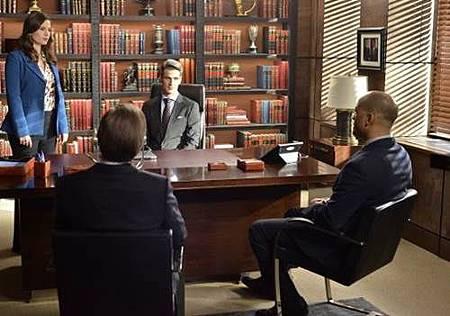 Conviction 1x12 (11).jpg