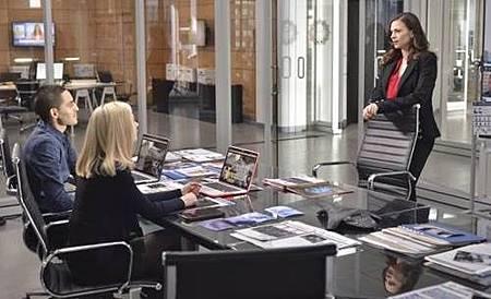 Conviction 1x13 (6).jpg