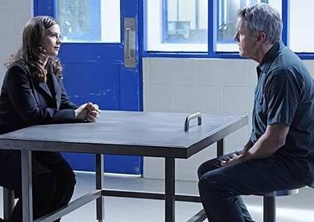 Conviction 1x13 (10).jpg