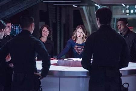 Supergirl 2x11 (1).jpg