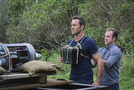 Hawaii Five-O_7x18-03.jpg