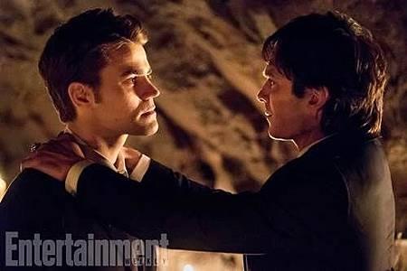 The Vampire Diaries 8x16 (4).jpg