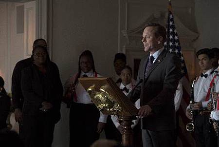 Designated Survivor 1x19 (2).jpg