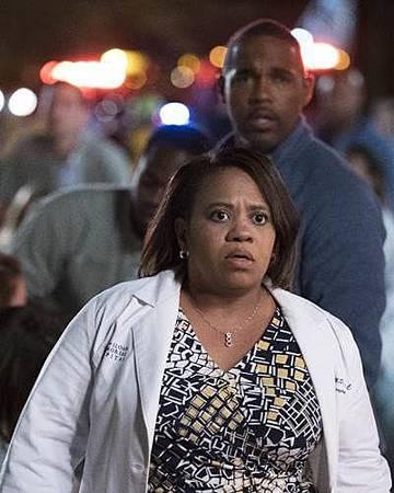 Grey's Anatomy 13x24 (2).jpg
