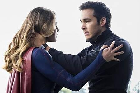 Supergirl 2x22 (1).JPG