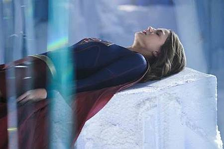 Supergirl 2x22 (2).JPG