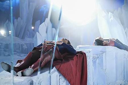 Supergirl 2x22 (3).JPG