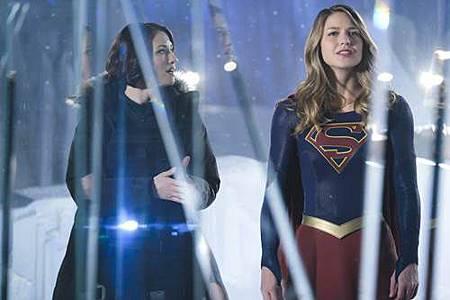 Supergirl 2x22 (4).JPG
