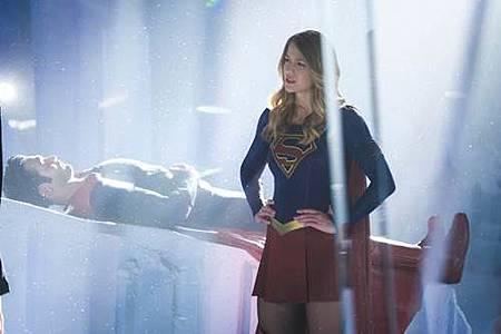 Supergirl 2x22 (5).JPG
