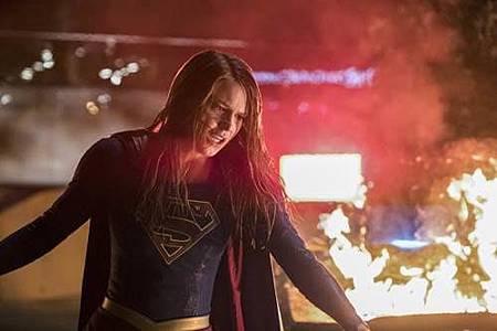 Supergirl 2x22 (25).JPG