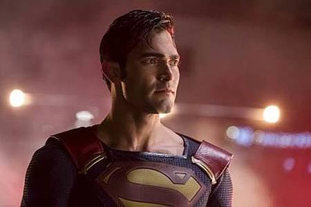 Supergirl 2x22 (26).JPG