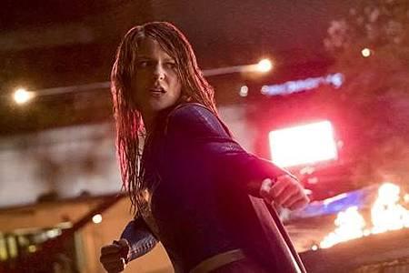 Supergirl 2x22 (27).JPG