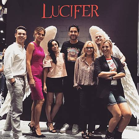 Lucifer_2017SDCC_09.jpg