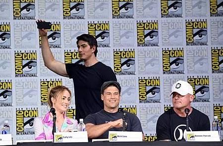 Legends Of Tomorrow Comic Con Panel 2017 (6).jpg