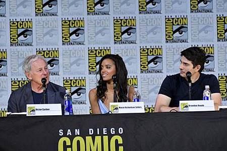 Legends Of Tomorrow Comic Con Panel 2017 (11).jpg